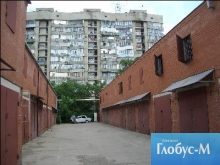 Столичные власти ищут возможность размещения гаражей на первых этажах домов