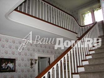 Деревянные лестницы в стиле Возрождение готики Фото 6